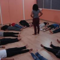 Dança contemporânea e yoga: aula aberta amanhã (2/jun) na Fundição Progresso (RJ)