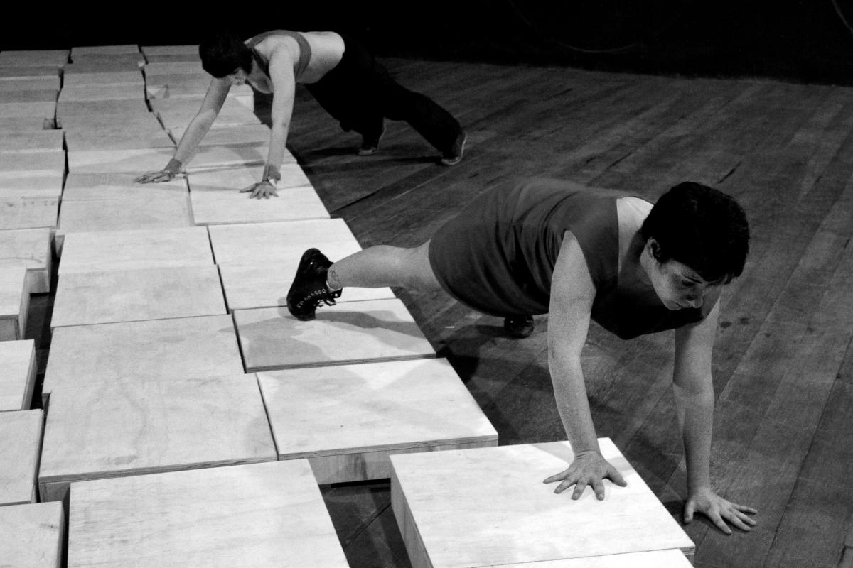 """De Jequié (BA) a Curitiba (PR): mostra de programa de extensão da UESB + """"Bomba"""" estreia no Teatro Cleon Jacques"""