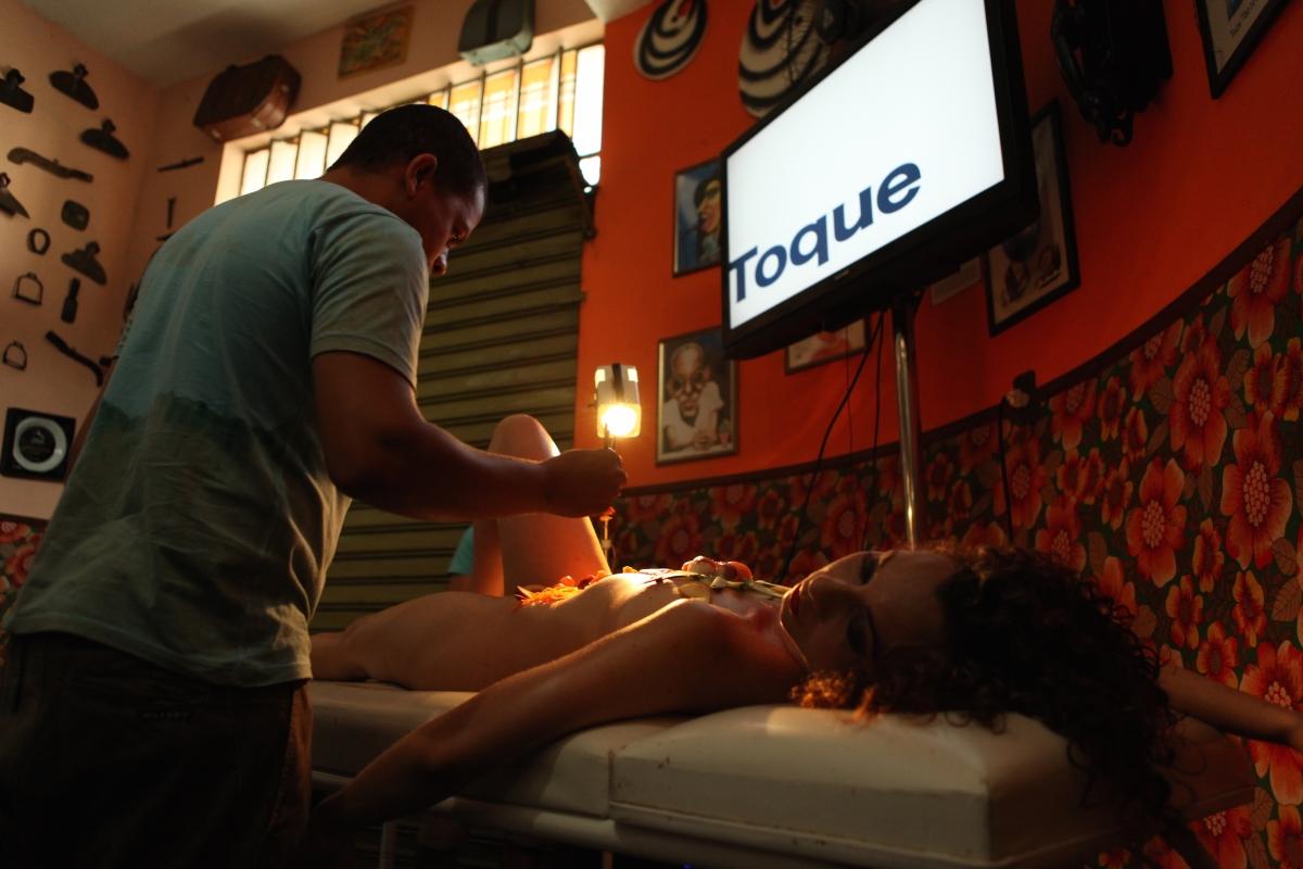"""""""sessões_Mais um pornô"""": Jaqueline Vasconcellos apresenta 2 novas ações do projeto performático no Palacete Carmelita (SP)"""